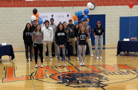 17 Latin Athletes Bound for College Competition