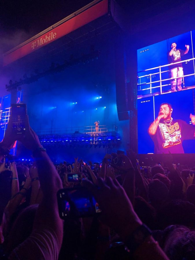 Fans watch in awe as pop star Post Malone concludes Lollapalooza night 3.